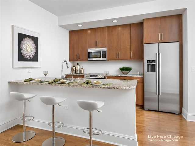 1 Bedroom, Gold Coast Rental in Chicago, IL for $2,209 - Photo 2