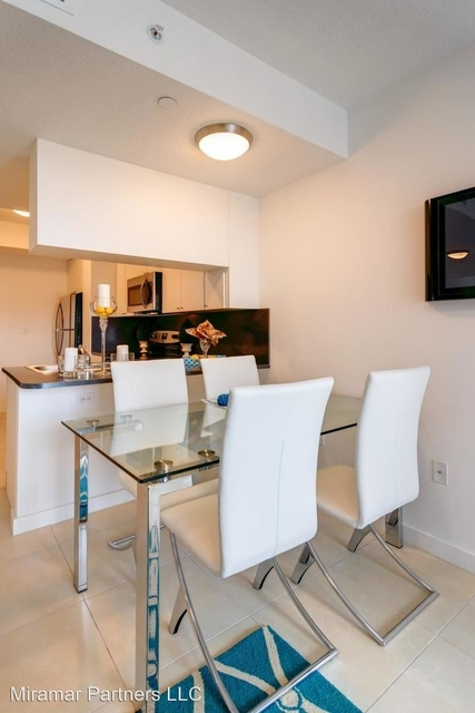 2 Bedrooms, East Little Havana Rental in Miami, FL for $1,700 - Photo 2