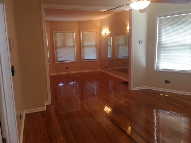 2 Bedrooms, Oak Park Rental in Chicago, IL for $1,395 - Photo 2
