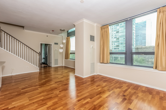 3 Bedrooms, River North Rental in Chicago, IL for $5,395 - Photo 2