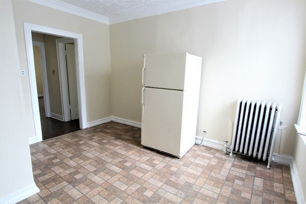 1 Bedroom, East Chatham Rental in Chicago, IL for $650 - Photo 2
