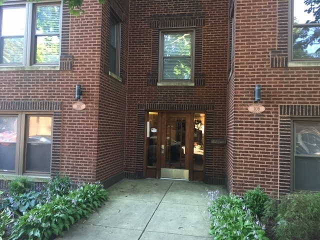 2 Bedrooms, Oak Park Rental in Chicago, IL for $1,850 - Photo 1