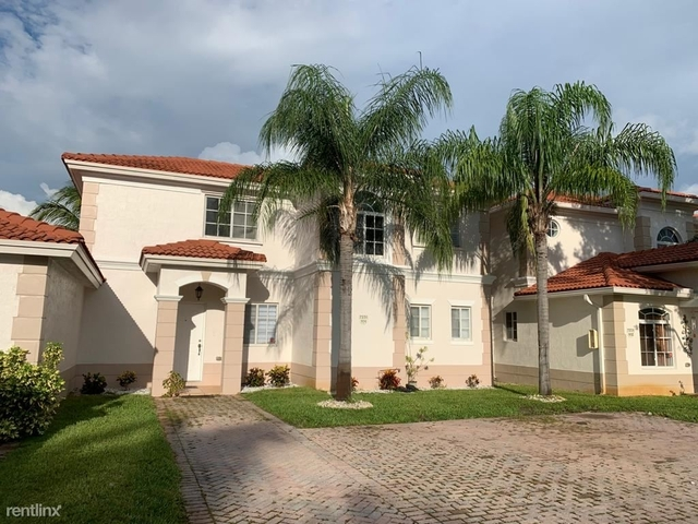3 Bedrooms, Washington Park Rental in Miami, FL for $1,950 - Photo 1