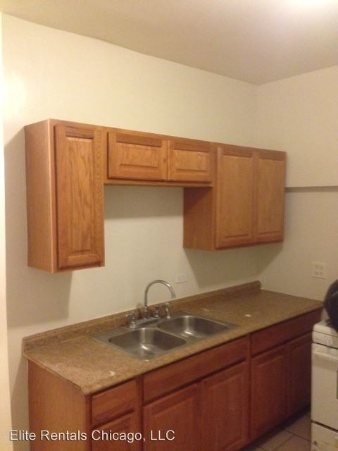 3 Bedrooms, Park Manor Rental in Chicago, IL for $1,100 - Photo 2
