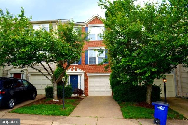 3 Bedrooms, Riverside Villages Rental in Washington, DC for $2,000 - Photo 1