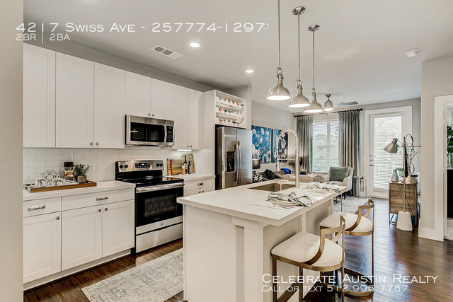 2 Bedrooms, Peak's Addition Rental in Dallas for $2,255 - Photo 1