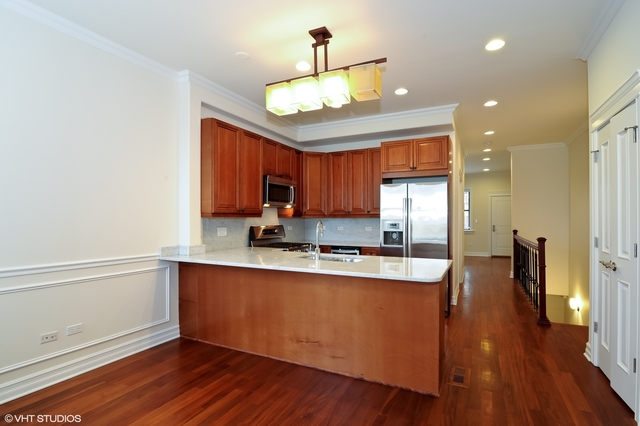 3 Bedrooms, Lincoln Park Rental in Chicago, IL for $3,600 - Photo 2