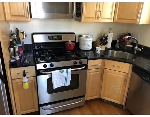 2 Bedrooms, East Somerville Rental in Boston, MA for $2,900 - Photo 2