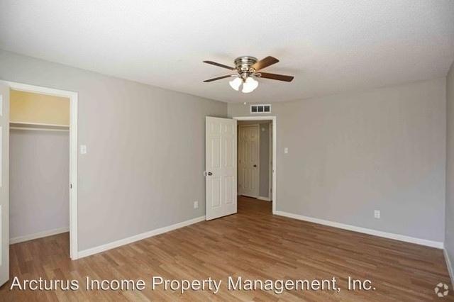 2 Bedrooms, Northeast Dallas Rental in Dallas for $945 - Photo 2