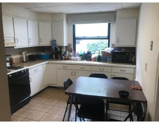 4 Bedrooms, Winter Hill Rental in Boston, MA for $3,300 - Photo 2