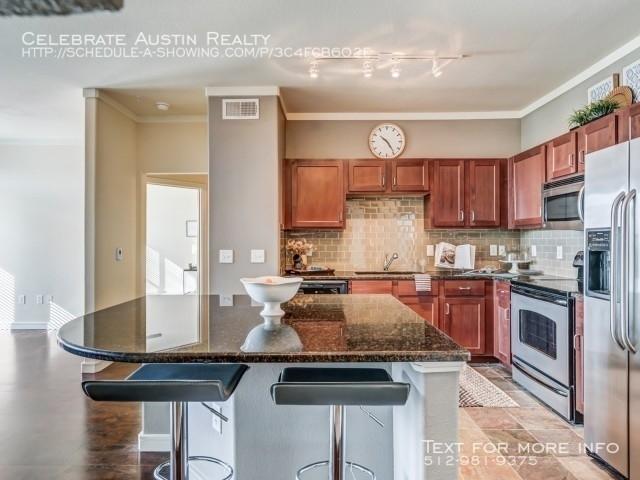 2 Bedrooms, Rock Island-Samuels Avenue Rental in Dallas for $2,400 - Photo 1
