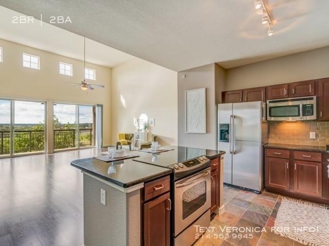 2 Bedrooms, Rock Island-Samuels Avenue Rental in Dallas for $2,400 - Photo 2