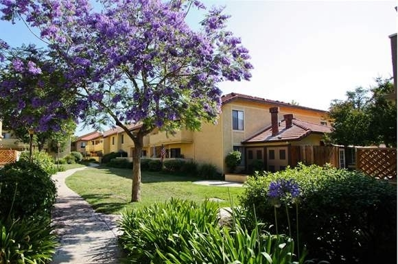 2 Bedrooms, Simi Valley Rental in Los Angeles, CA for $1,970 - Photo 1