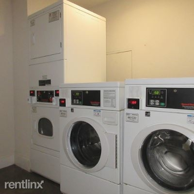 3 Bedrooms, The Loop Rental in Chicago, IL for $1,995 - Photo 2