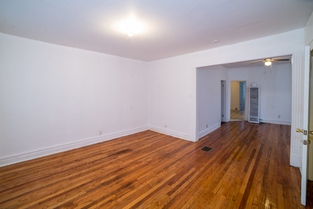 2 Bedrooms, Roseland Rental in Chicago, IL for $700 - Photo 2