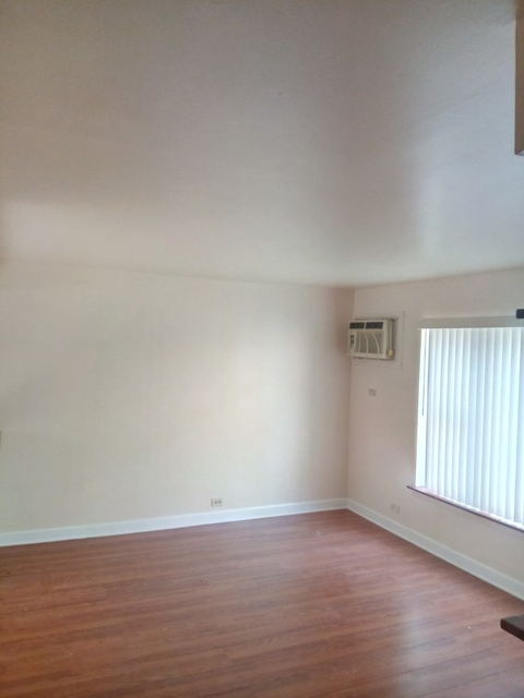 2 Bedrooms, Roseland Rental in Chicago, IL for $1,000 - Photo 2