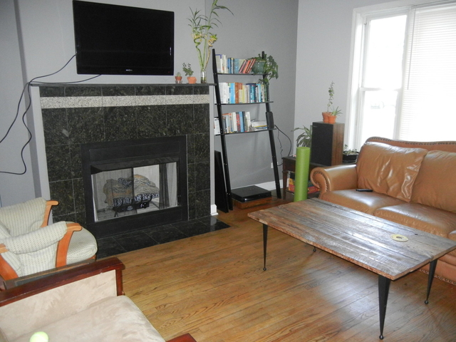 3 Bedrooms, West Town Rental in Chicago, IL for $2,300 - Photo 2