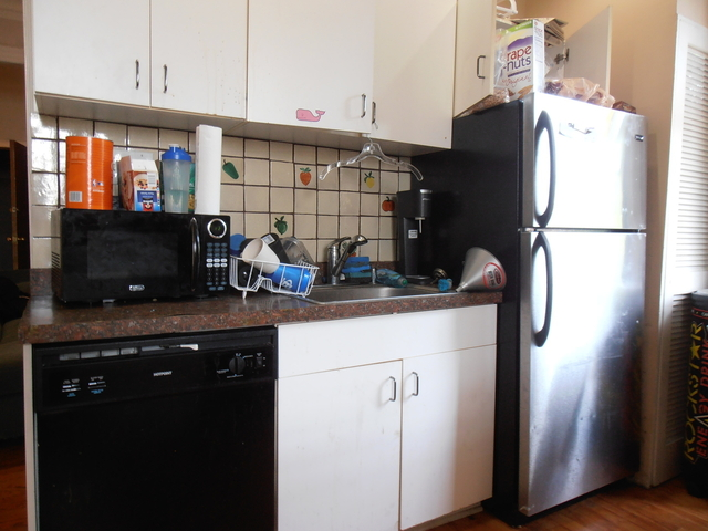 3 Bedrooms, Sheffield Rental in Chicago, IL for $2,325 - Photo 2