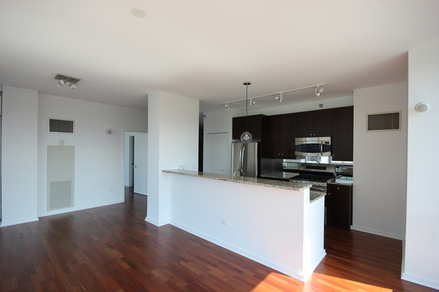 2 Bedrooms, Greektown Rental in Chicago, IL for $3,500 - Photo 2