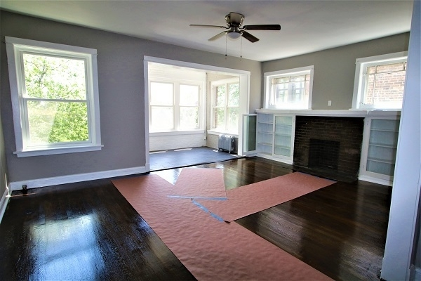3 Bedrooms, Grand Crossing Rental in Chicago, IL for $1,250 - Photo 2