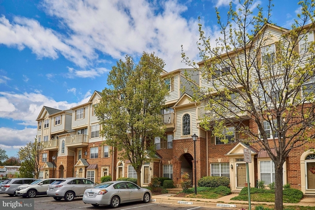 2 Bedrooms, Kingsgate Condominiums Rental in Washington, DC for $2,150 - Photo 1