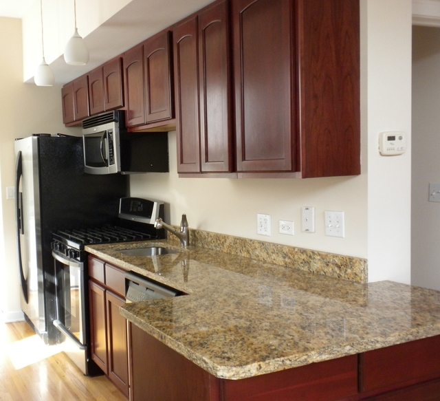 2 Bedrooms, Noble Square Rental in Chicago, IL for $2,250 - Photo 2