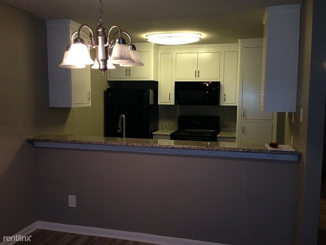 2 Bedrooms, Conroe Rental in Houston for $1,199 - Photo 2