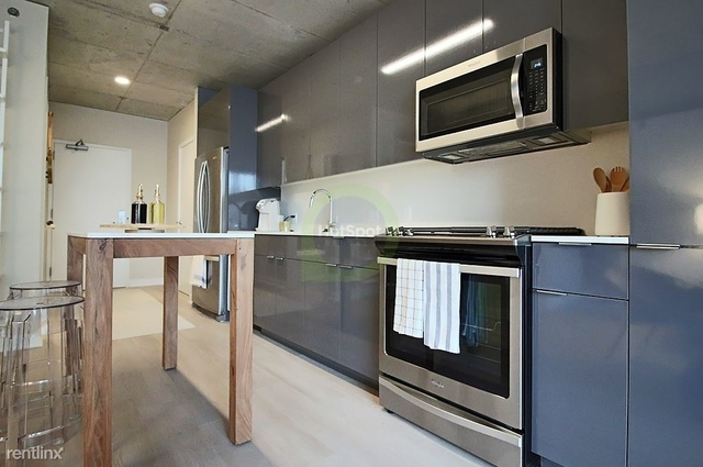 3 Bedrooms, River North Rental in Chicago, IL for $7,846 - Photo 2