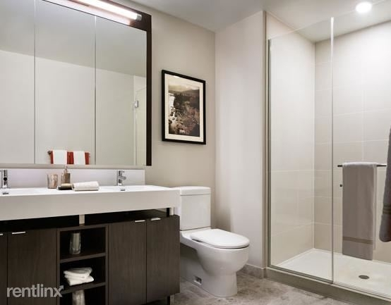 3 Bedrooms, Streeterville Rental in Chicago, IL for $7,915 - Photo 2