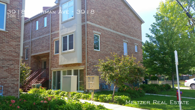 4 Bedrooms, Schiller Park Rental in Chicago, IL for $2,395 - Photo 1
