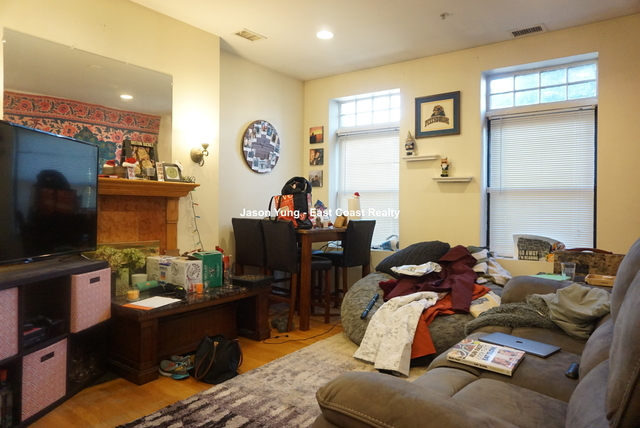 2 Bedrooms, Cleveland Circle Rental in Boston, MA for $2,350 - Photo 1