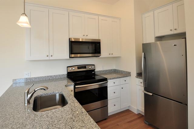 3 Bedrooms, Newton Upper Falls Rental in Boston, MA for $2,700 - Photo 2