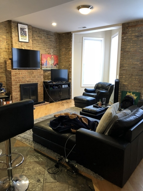 2 Bedrooms, Old Town Rental in Chicago, IL for $2,895 - Photo 2