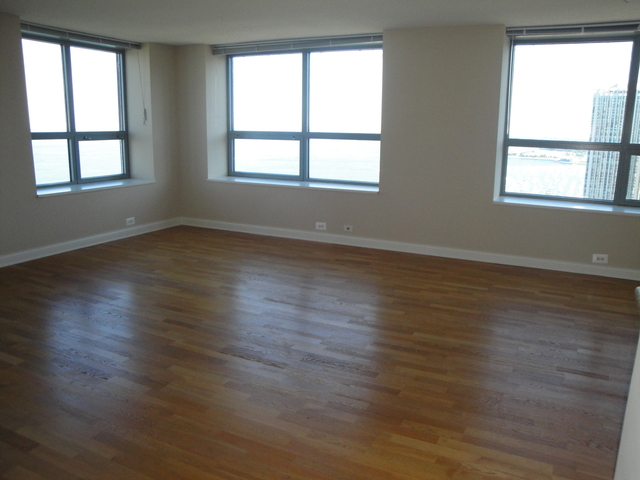 3 Bedrooms, Streeterville Rental in Chicago, IL for $4,650 - Photo 2