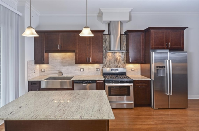 1 Bedroom, Near West Side Rental in Chicago, IL for $2,678 - Photo 2