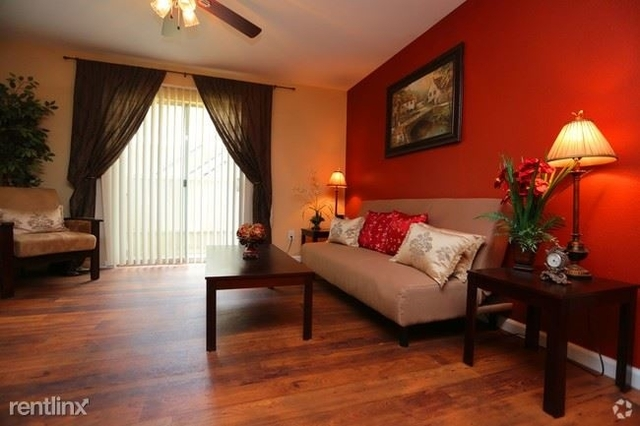 2 Bedrooms, Astrodome Rental in Houston for $1,025 - Photo 2