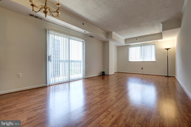 1 Bedroom, Crystal City Shops Rental in Washington, DC for $2,300 - Photo 2