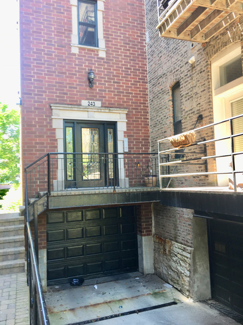 2 Bedrooms, Old Town Rental in Chicago, IL for $3,395 - Photo 1