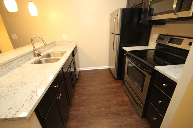 2 Bedrooms, Ranch Triangle Rental in Chicago, IL for $2,350 - Photo 2