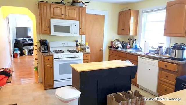 3 Bedrooms, Davis Square Rental in Boston, MA for $2,700 - Photo 1