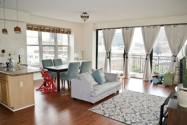 2 Bedrooms, South Loop Rental in Chicago, IL for $2,350 - Photo 2
