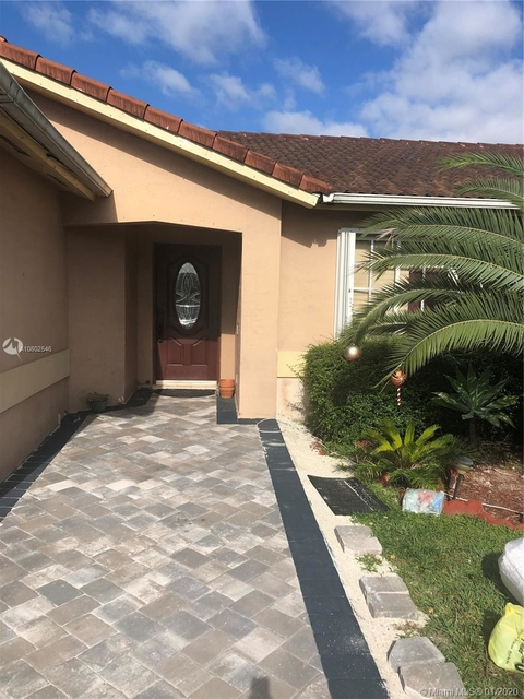 2 Bedrooms, Harbour South Rental in Miami, FL for $2,000 - Photo 1