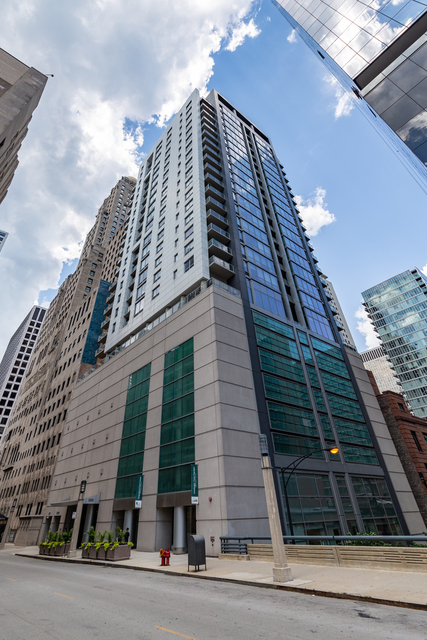 2 Bedrooms, Magnificent Mile Rental in Chicago, IL for $3,950 - Photo 1