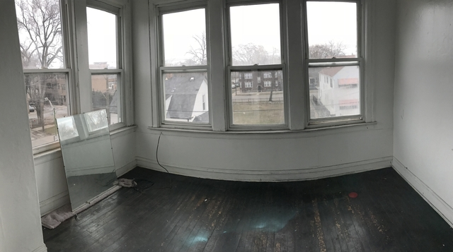 2 Bedrooms, South Chicago Rental in Chicago, IL for $800 - Photo 2