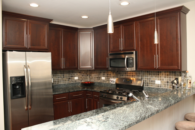 2 Bedrooms, Ravenswood Rental in Chicago, IL for $2,350 - Photo 2