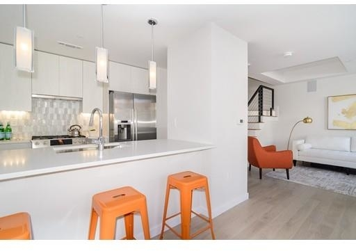 2 Bedrooms, D Street - West Broadway Rental in Boston, MA for $4,250 - Photo 2