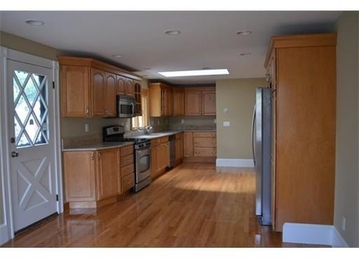 3 Bedrooms, South Quincy Rental in Boston, MA for $2,700 - Photo 1