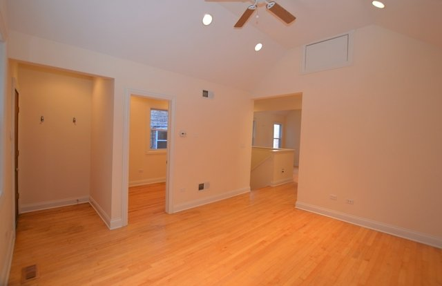 3 Bedrooms, Lakeview Rental in Chicago, IL for $2,575 - Photo 2