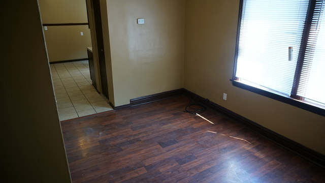 2 Bedrooms, The Bush Rental in Chicago, IL for $800 - Photo 2