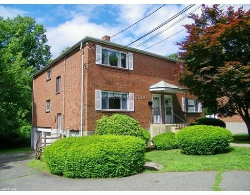 3 Bedrooms, Newton Highlands Rental in Boston, MA for $2,800 - Photo 1
